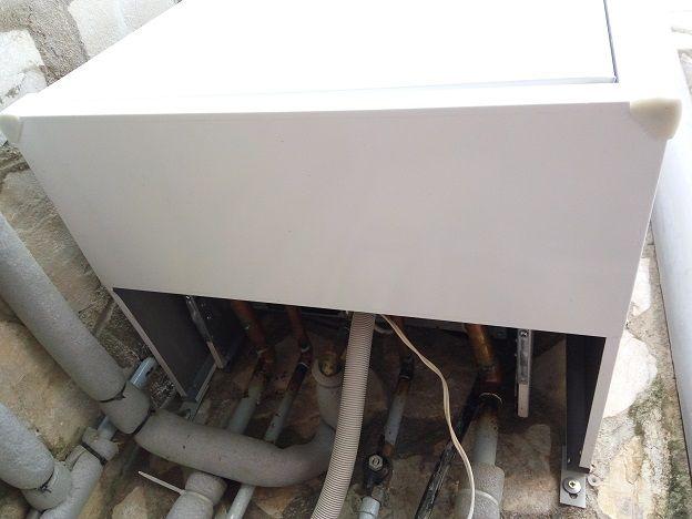 Vista Inferior tubos armario cubrecaldera Ecobioebro